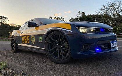 Camaro de traficante se transforma em arma da polícia para combater rachas
