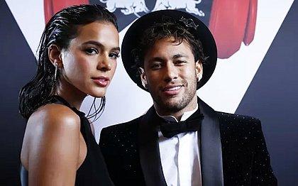 Bruna Marquezine deu meias de aniversário para Neymar: 'Igual vó'