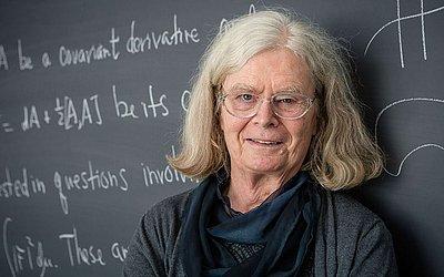 A cientista Karen Uhlenbeck receberá o prestigioso prémio Abel de Matemática pela Academia de Ciências e letras da Noruega.