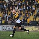 Foguinho vibra após marcar o gol da vitoria do Criciúma sobre o Sport