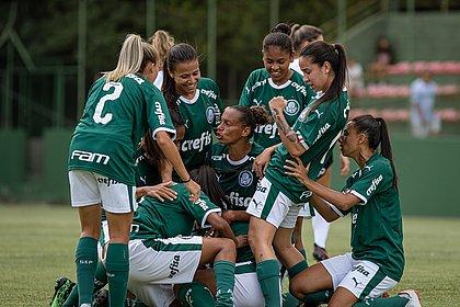 Em casa, Vitória é goleado pelo Palmeiras no Brasileirão feminino