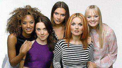 A banda inglesa Spice Girls vendeu mais de 90 milhões de discos