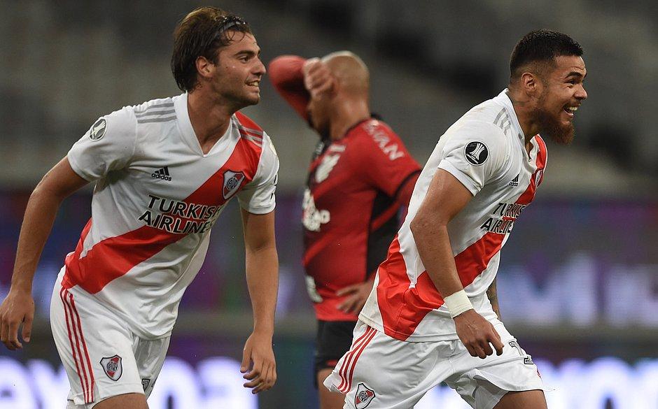 Paulo Díaz faz a festa no gol de empate do River