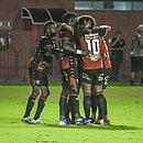 Jogadores do Vitória em uma partida no Barradão