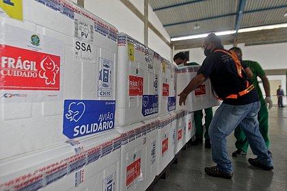 Mais 396 mil doses de vacinas chegam para a Bahia