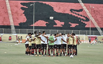 Elenco do Vitória precisará mostrar força na reta final da Série B para se manter na divisão nacional
