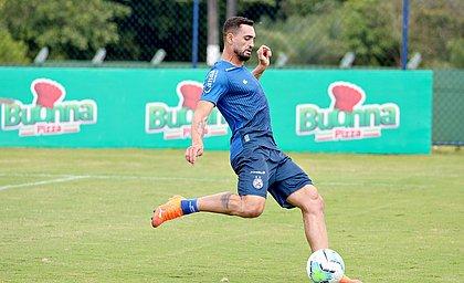 Gilberto voltou a treinar e deve encarar o Santos, nesta quinta-feira (25), na Fonte Nova