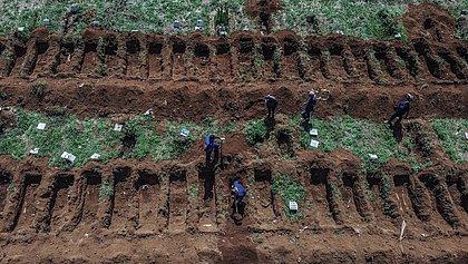 Jornal inglês faz matéria sobre subnotificação da covid--19 no Brasil