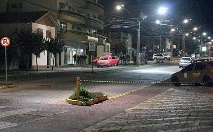 Área foi isolada após tiroteio entre polícia e bandidos