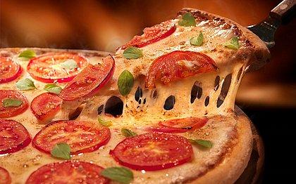 Dia da pizza: promoções em Salvador para você comemorar a data