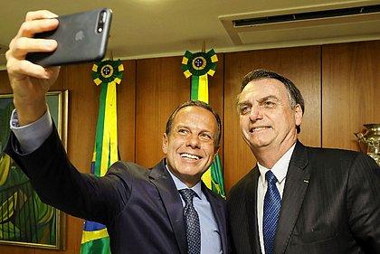 Bolsonaro chama Doria de vagabundo, que responde: 'Butantan é especialista na anti-rábica'