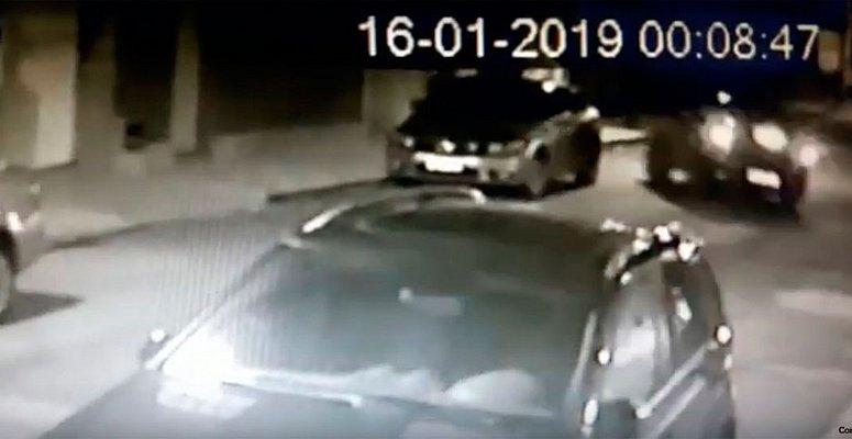 https://www.correio24horas.com.br/noticia/nid/homem-atropela-esposa-e-dois-filhos-e-e-preso-em-flagrante-veja-video/