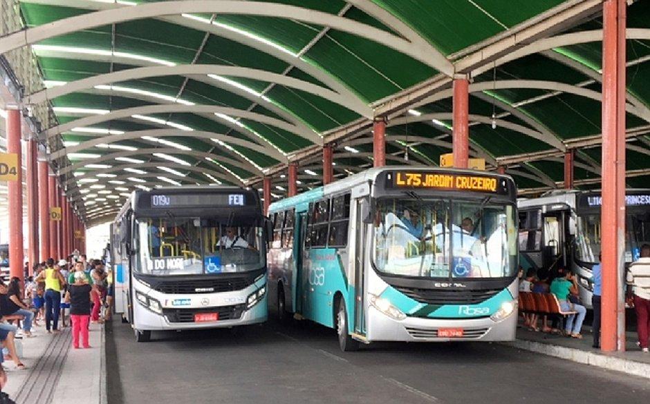 Em Feira de Santana, idosos e deficientes terão horário especial para andar de ônibus
