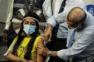 Deise, que representou a comunidade indígena, também foi vacinada