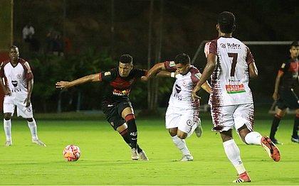 Vitória e Jacuipense só empatam no Barradão pelo Campeonato Baiano