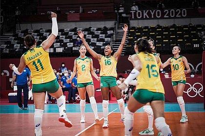 Brasil sai atrás, mas vence a República Dominicana no vôlei feminino