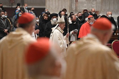 Papa fala em preferência aos pobres e cita dom Hélder em mensagem de Natal