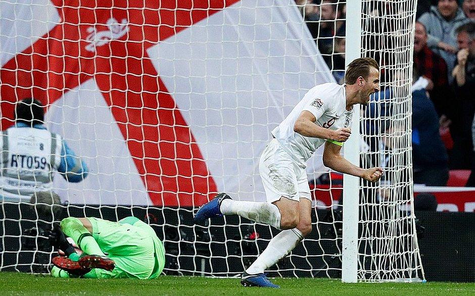 Kane sai para comemorar segundo gol inglês contra a Croácia, marcado por ele