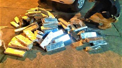 PRF prende casal na Bahia com carga de maconha avaliada em R$ 100 mil