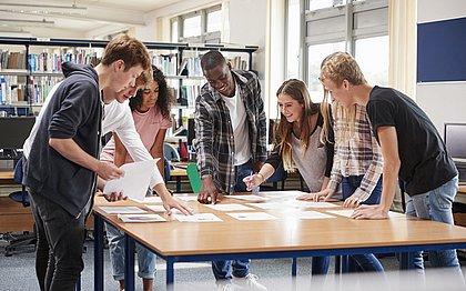 As EJs têm o objetivo de ajudar os estudantes a empreender para adquirir conhecimento
