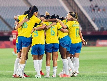 Seleção feminina de futebol perde nos pênaltis e deixa Olimpíada