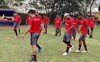 Vitória faz último treino para pegar Londrina; veja provável time