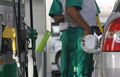 Gasolina é mais competitiva que etanol na semana em todos os estados