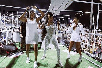 Não é só música: Trio com Larissa Luz, Luedji Luna e Xênia França canta contra o assédio