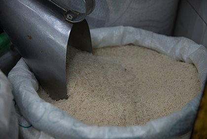 Arroz foi o segundo alimento que mais aumentou de preço nos últimos 12 meses, atrás somente do óleo de soja, que subiu 80%