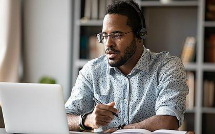 Os cuidados com a entrevista de emprego on line deve ser bem parecido com os cuidados do presencial