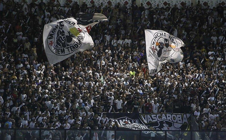 Vasco se torna clube com mais sócios no Brasil: passa de 141 mil