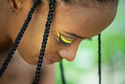 Confira as tendências de cabelo e maquiagem do Afro Fashion Day para o Verão