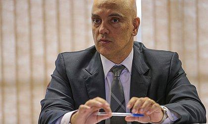 Moraes inclui Bolsonaro em inquérito das fake news após ataques às urnas eletrônicas