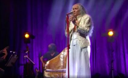 'Misericórdia': Bethânia canta clássicos sem esquecer do Brasil que a faz chorar