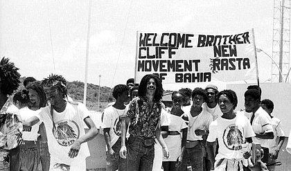 Legião Rasta recepcionando o cantor jamaicano Jimmy Kliff, em 1980