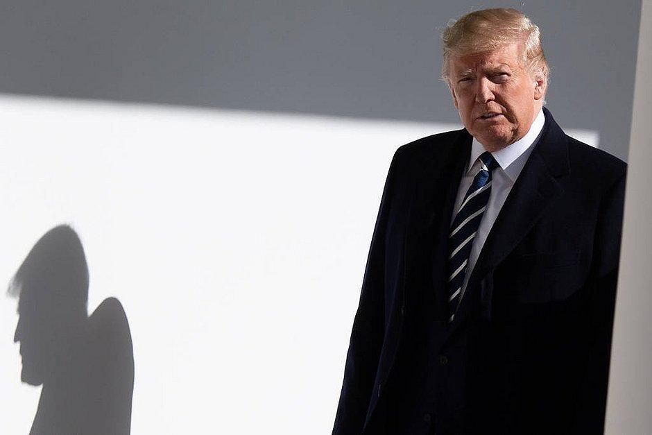 Revelação de ex-conselheiro aumenta pressão contra Trump no Senado