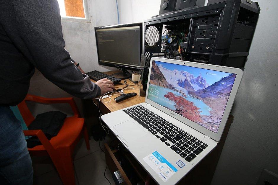 Polícia faz operação contra site de pirataria de séries comandado de Salvador