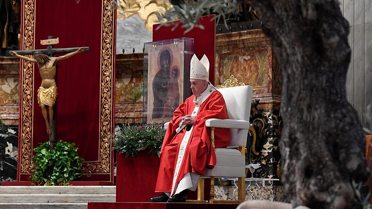 Papa inicia Semana Santa com celebração sem presença de fiéis