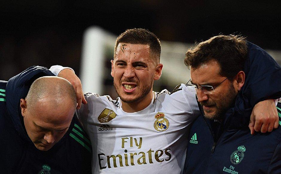Hazard deve perder clássico do Real Madrid x Barcelona por lesão