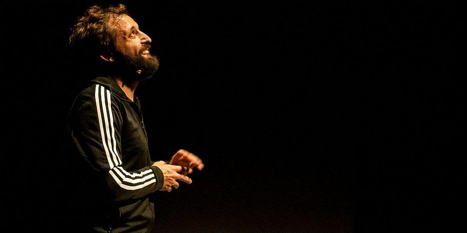 Ator apresenta a peça Sísifo neste fim de semana em Salvador