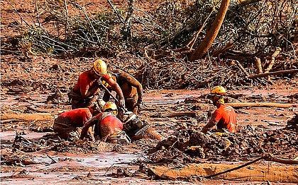 Mais um corpo é encontrado entre os rejeitos de minério em Brumadinho