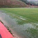 Campos da Toca do Leão ficaram alagados e o elenco do Vitória treinou na academia