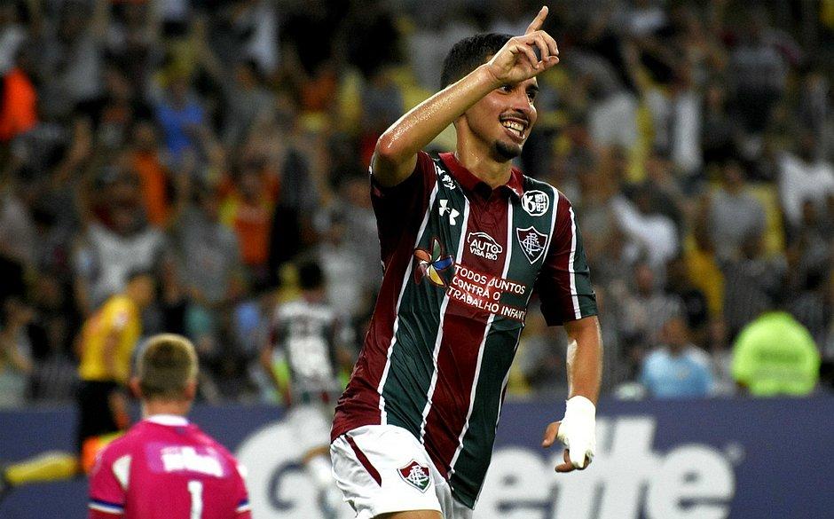 Daniel comemora gol marcado contra o Bahia em duelo no Maracanã