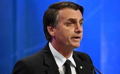 Após renúncia de Evo, Bolsonaro defende voto impresso no Brasil