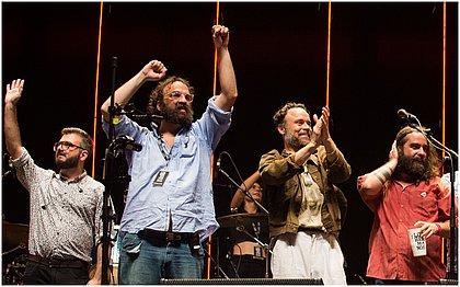 Bruno Medina, Marcelo Camelo, Rodrigo Amarante e Rodrigo Barba