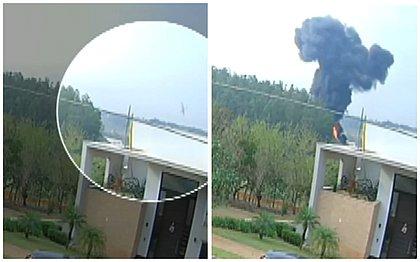 VÍDEO mostra momento exato da queda de um avião em Piracicaba; assista
