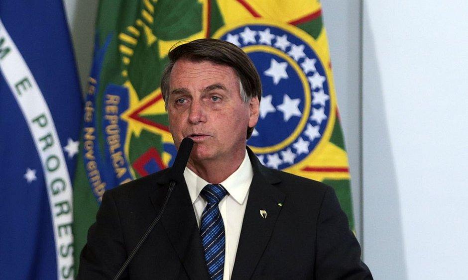 Vacinação 'não é uma questão de Justiça', mas de saúde, diz Bolsonaro