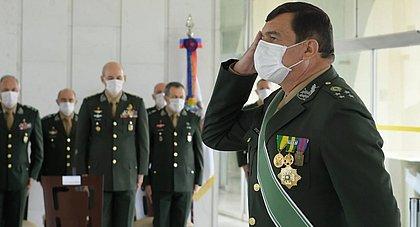 Bolsonaro escolhe general Paulo Sérgio Nogueira de Oliveira para comandar Exército