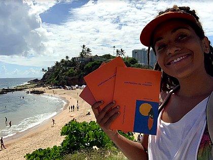 Conheça a escritora viajante e sem grana que já conheceu quase todo o Brasil