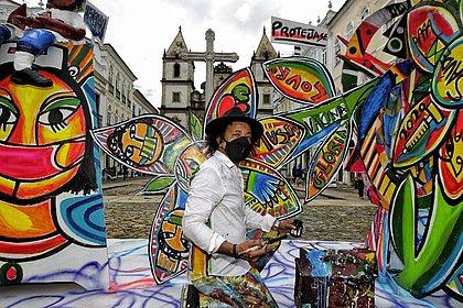 Obra de arte 'Flores para a saúde' homenageia profissionais no Pelourinho